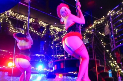 Vivid Cabaret Girls Provide Christmas Cheer